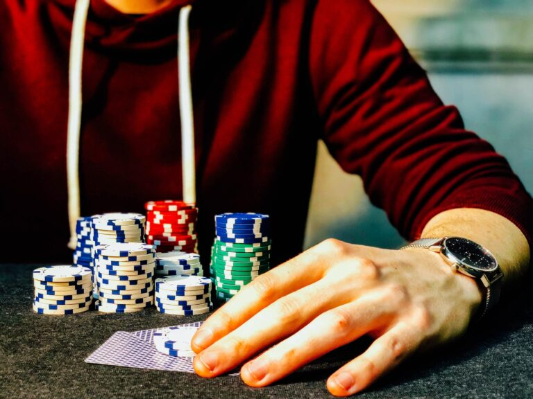 Why Does the Banker Bet Win More?
