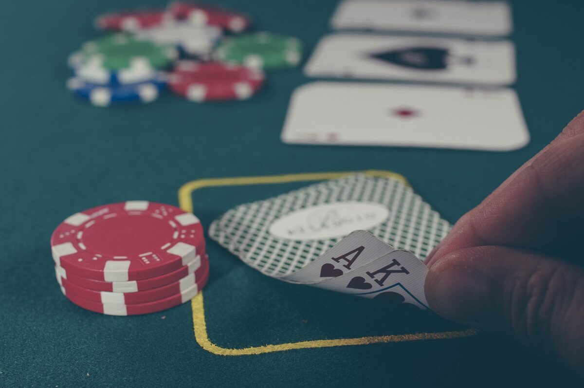 Baccarat Strategy Guide: What are Banker Bets and How to Use Them.
